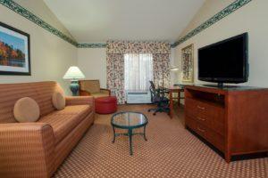 Hotels Elko Nv Shuttershotel Suite Livingarea